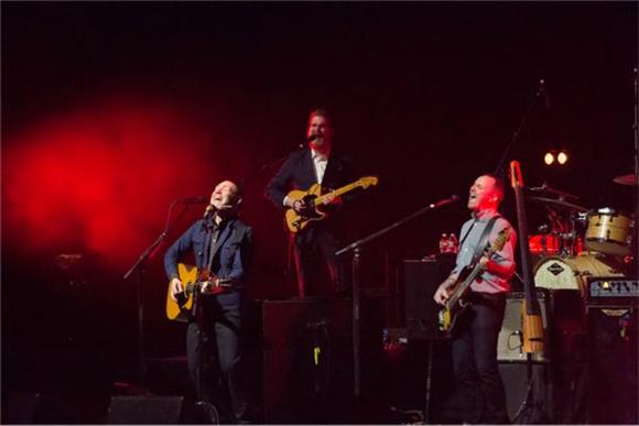 The Front Row: David Gray at Radio City Music Hall