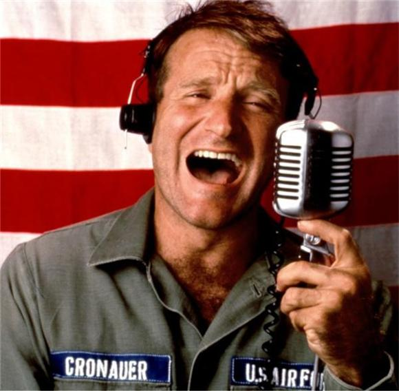 The 7 Best Musical Performances By Robin Williams