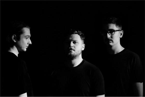 Alt J Continue Their Transformation, Release New Single
