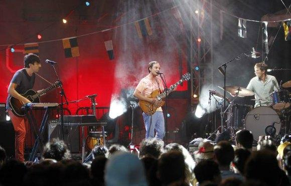 Watch Grizzly Bear Rock The Boat with Stephen Colbert