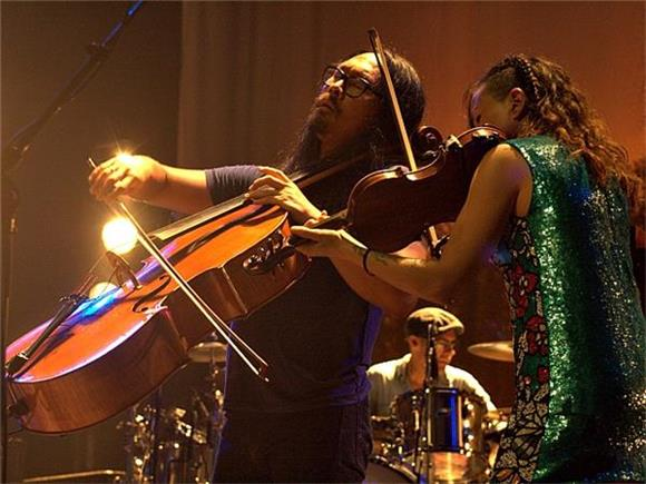 The Avett Brothers Rock Through the Heat at Coney Island