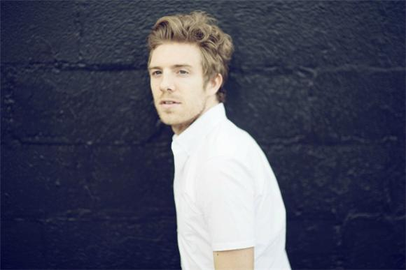 Follow Friday: Andrew Belle