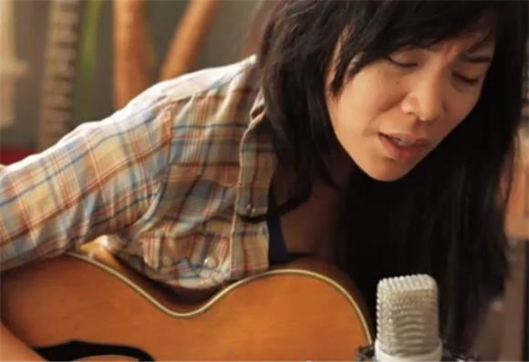 Thao Performs 'Kindness Be Conceived' In the California Light