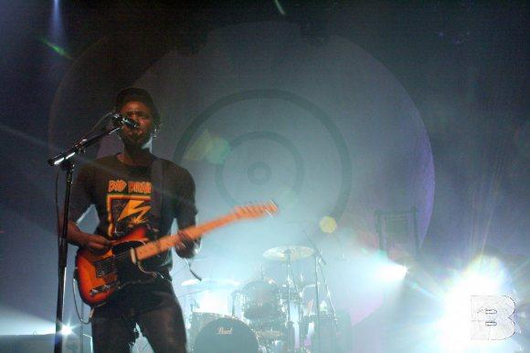 Bloc Party Is Far From F-cking Useless, Destroys Terminal 5 With Awesomeness