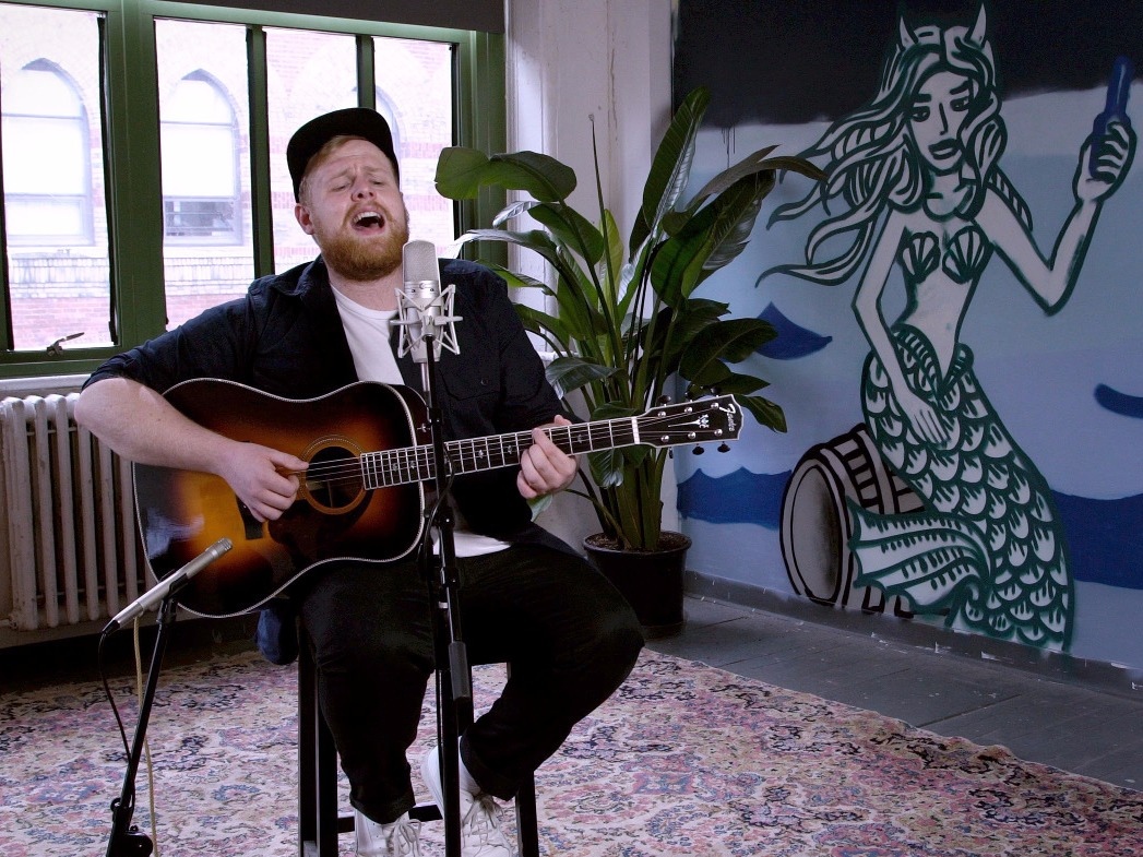 NOW PLAYING: A Baeble NEXT Session with Tom Walker