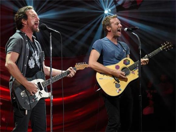 Chris Martin and Eddie Vedder Team Up to Cover Crowded House's 'Don't Dream It's Over'