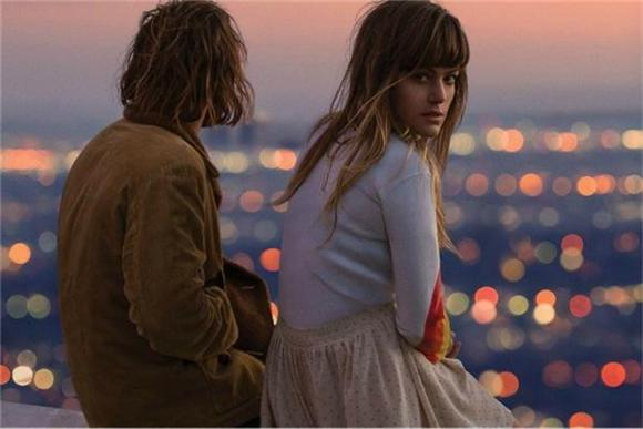 Hanging Ten With Angus and Julia Stone