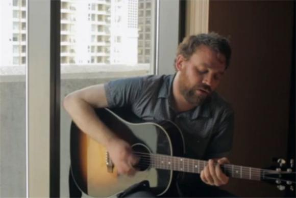 Frightened Rabbit Doles Out 'Candlelit' Acoustic Performance