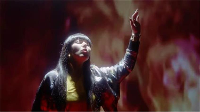 Sleigh Bells - I Can Only Stare