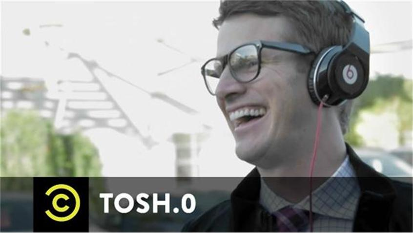 Daniel Tosh Mocks Beats By Dre In An Amazing Commercial Remake