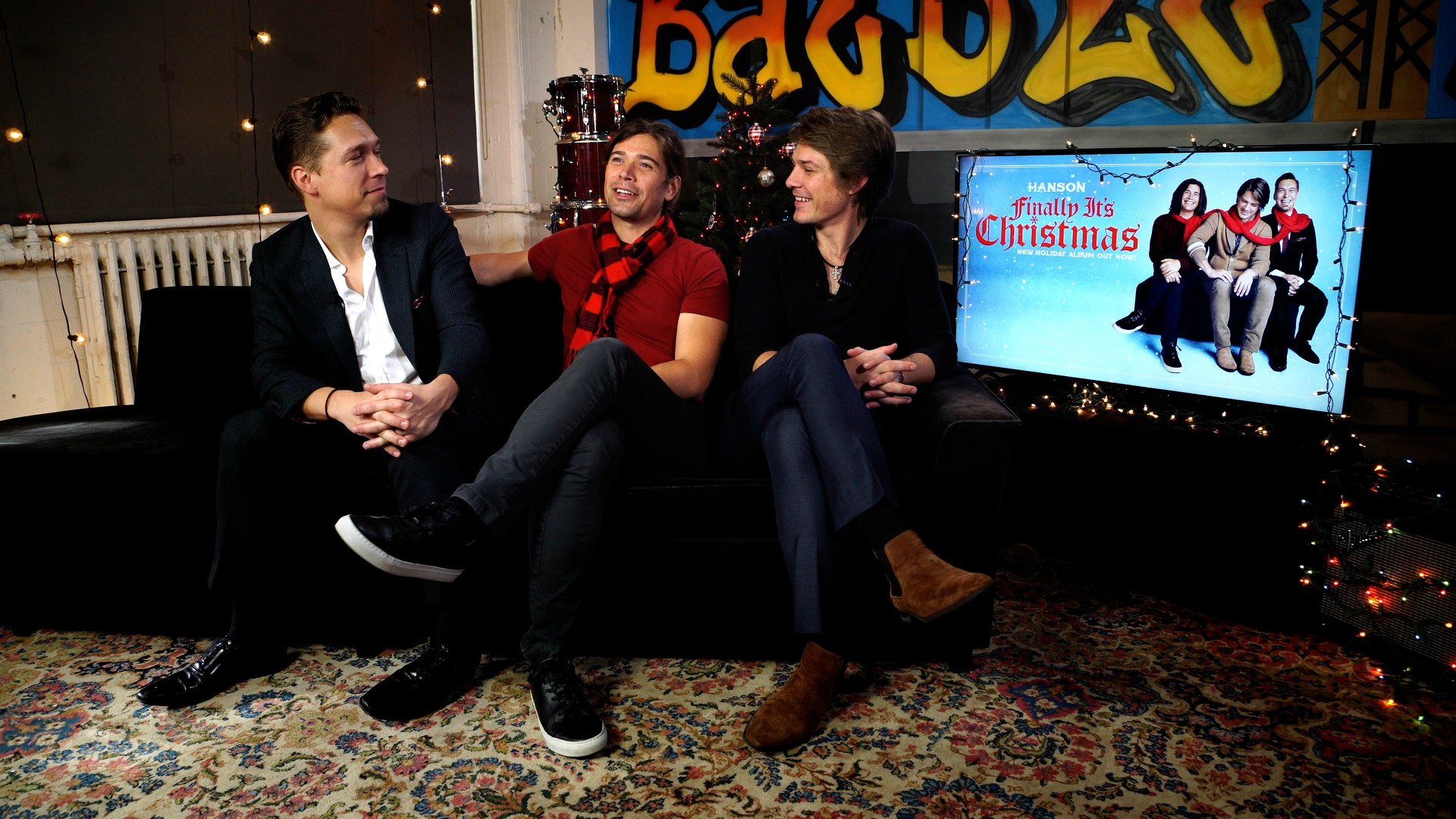 A Holiday Session With Hanson