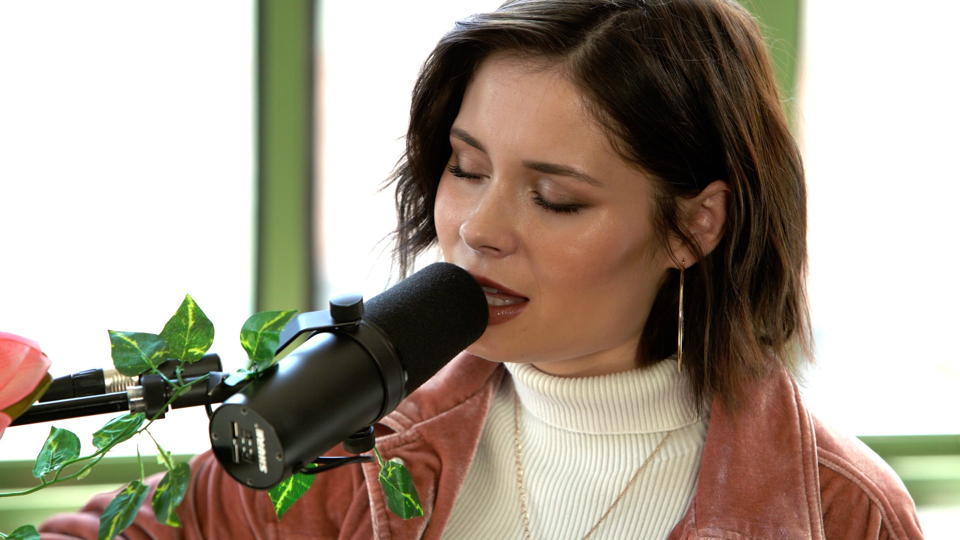 Nina Nesbitt at Baeble HQ