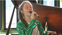 Sigrid live at Baeble HQ
