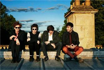 The Kooks live at Industria Superstudio