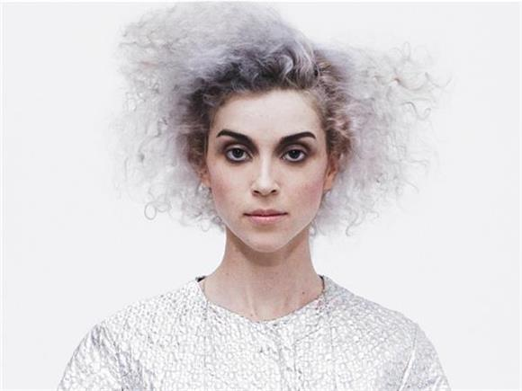 6 Reasons Why St. Vincent is a Total Babe