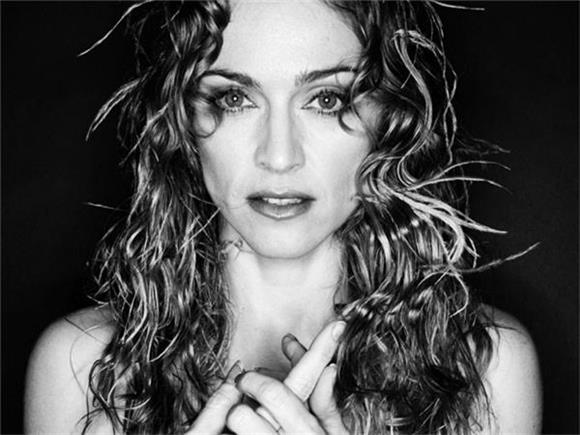Madonna Pays Tribute To Bowie On Rebel Heart Tour
