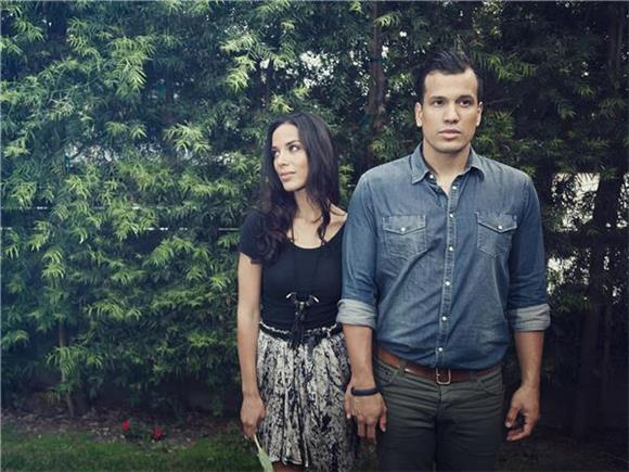 Johnnyswim's Abner Ramirez Shows Off His Stunt Skills On Wipeout