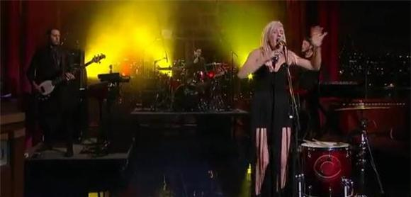 Late Night: Ellie Goulding