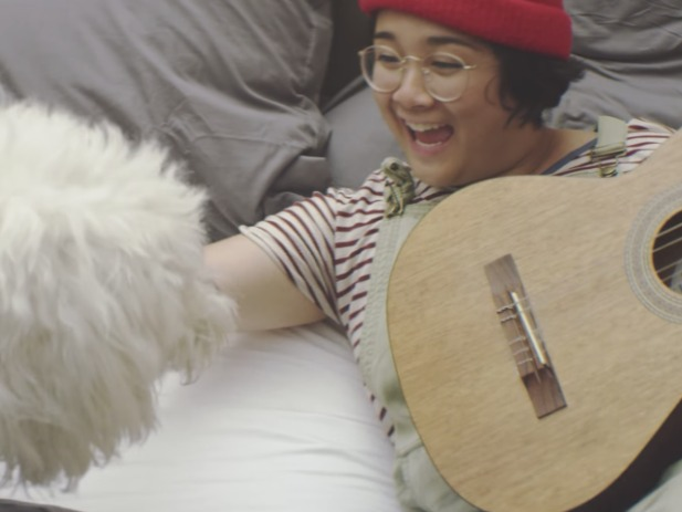 Jay Som Has An Adorable Dog and Also a New Video