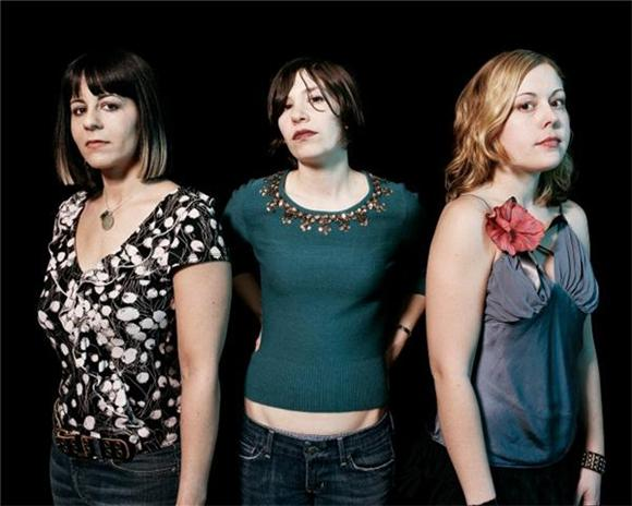 Sleater Kinney Returns From Hiatus