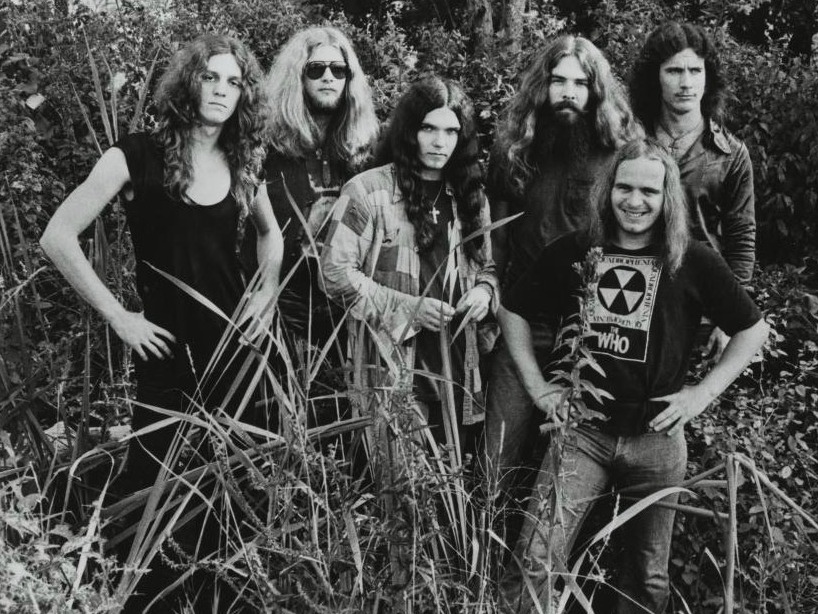 Lynyrd Skynyrd's Plane Crash: Remembering The Night That Changed Southern Rock