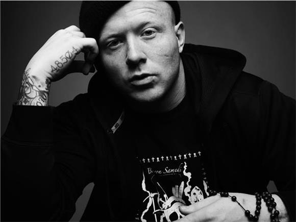 Baeble First Play: KING 810 And RosieMay Spin a Tale Of A 'Bad Man'