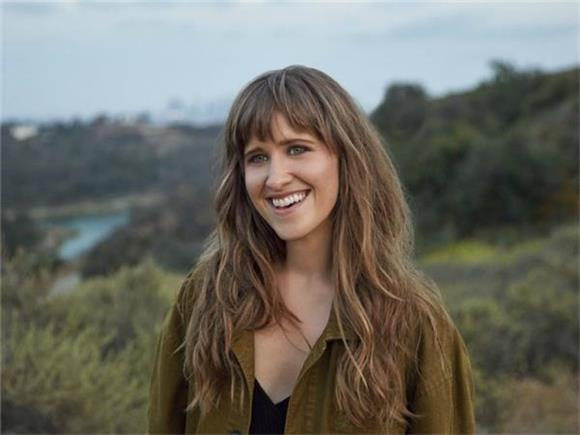 Amber Coffman Gives Her Own Take On Her Breakup With Dirty Projectors Frontman