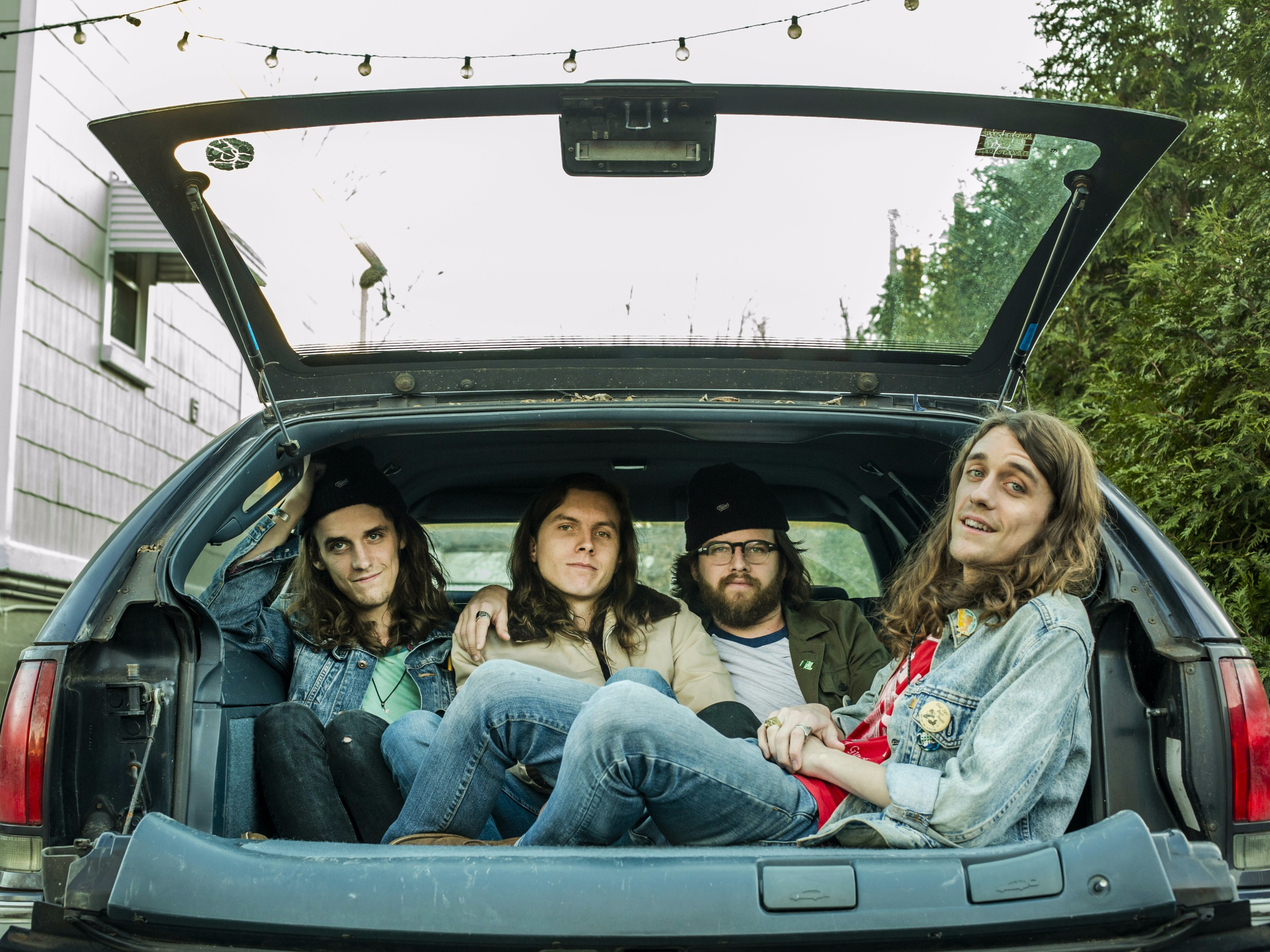 BAEBLE FIRST PLAY: 'Bottle Rocket' by The Weeks (Video)
