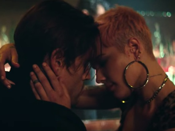 5 Music Videos that are Obviously About Famous Exs