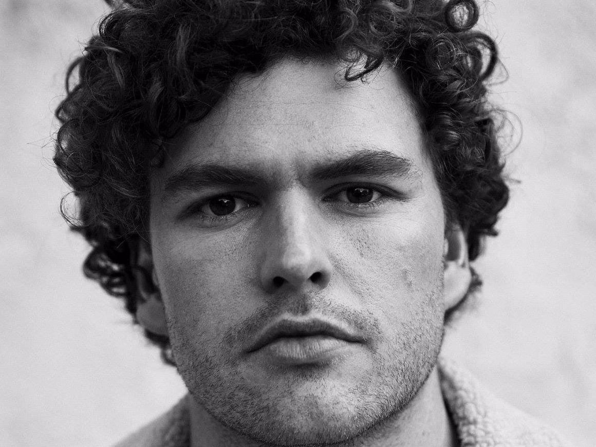 Vance Joy's 'Like Gold' Is a Shimmer of Hope