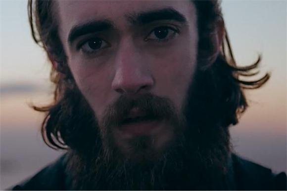 Keaton Henson Logs Some Face Time