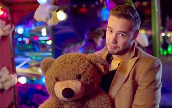 One Direction Are The Worst Dates In 'Night Changes'