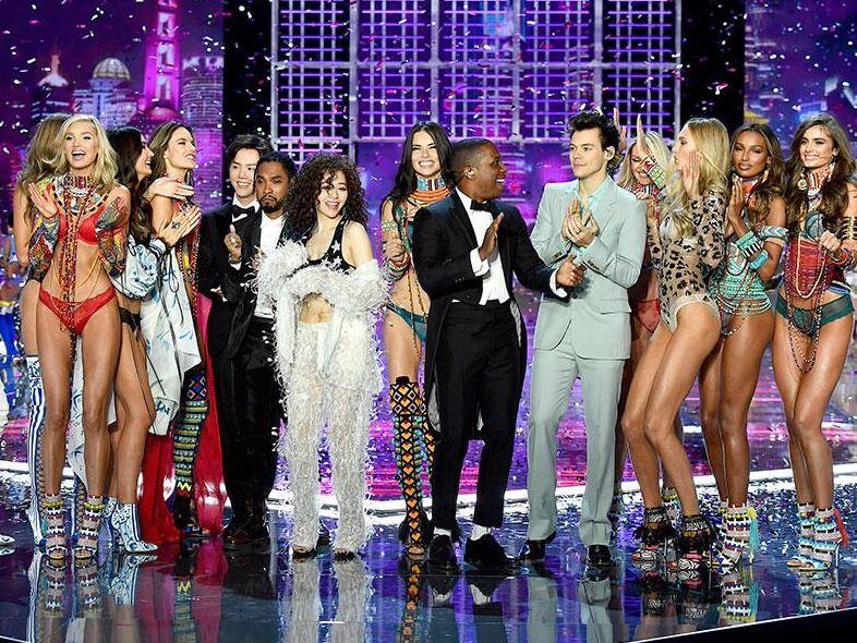 WTF WEEKLY: Harry Styles Slays The Victoria's Secret Fashion Show + MORE