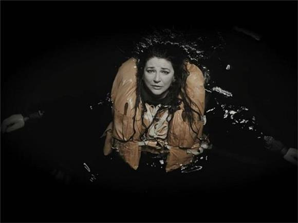 Kate Bush Releases Emotionally Powerful Video 'And Dream Of Sheep (Live)'