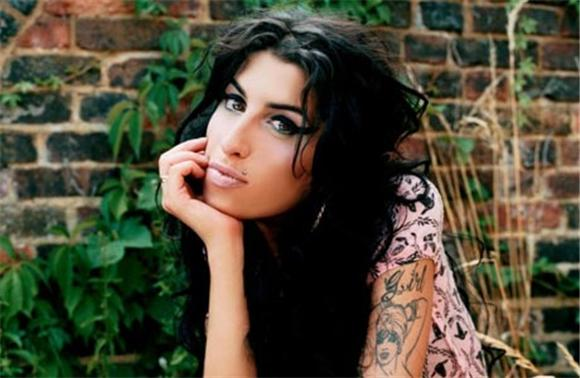 stream: new amy winehouse