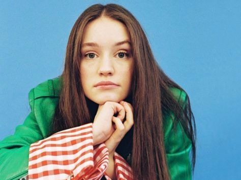 Sigrid's 'Strangers' Video Proves She's No Stranger To Performing