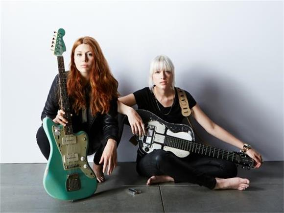 KNOW WHO'S NEXT + VINYL GIVEAWAY: Larkin Poe Boasts a Serious Resume and Gritty, Southern Charm