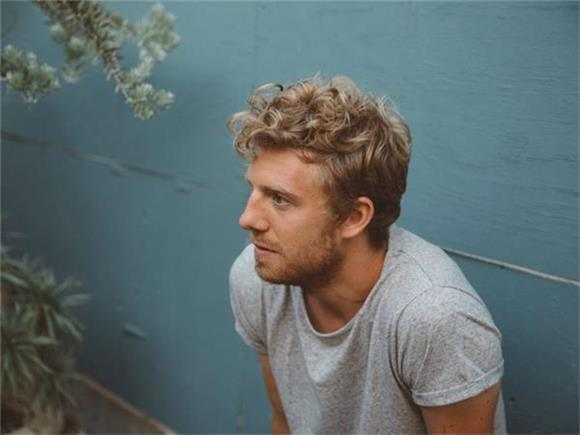 SONG OF THE DAY: 'YOU' by Andrew Belle