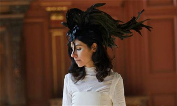 PJ Harvey Pops Up Long Enough To Promise Book Of Poetry