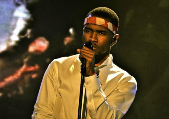 Frank Ocean Sings 'Fake Plastic Trees'