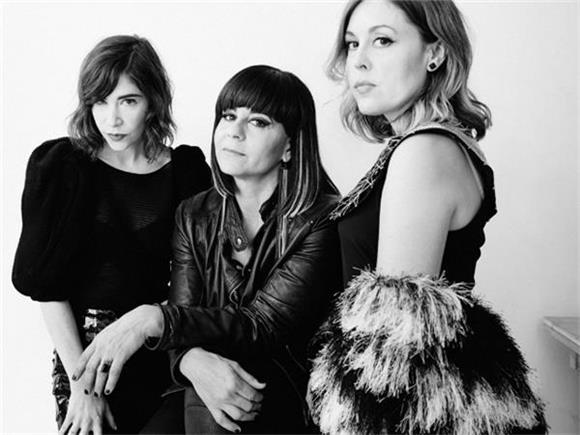 Sleater Kinney and Fred Armisen Goof Around With B 52s Cover