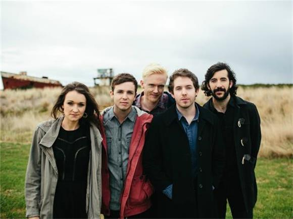BAEBLE FIRST PLAY: The Paper Kites Release Video for 'Too Late,' Announce Tour with Passenger