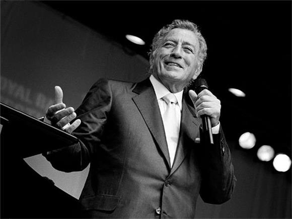 Tony Bennet Says He Wants to Work With Beyonce, Officially Still Knows What's Up