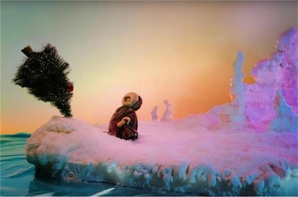 She & Him Release Video For 'Christmas Memories' About a Tree Seeking a Home For The Holidays