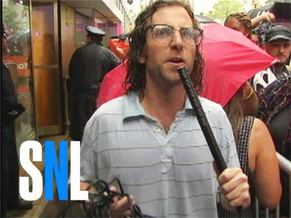 SNL's Kyle Mooney Makes Us All Beliebers