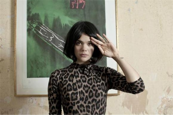 Now Playing:  Bat For Lashes' Haunting Baeblemusic Session
