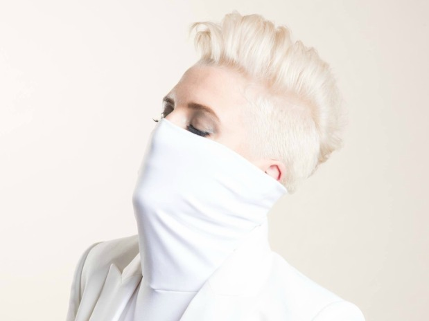 Betty Who Is Impossible To Ignore In New Video 'Ignore Me'