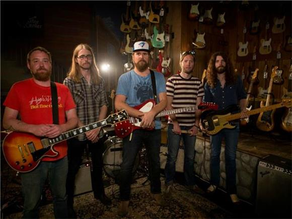 Baeble First Play: The Sheepdogs Tackle The Kinks
