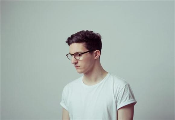 Single Serving: Dan Croll's Unexpected Gym Jam