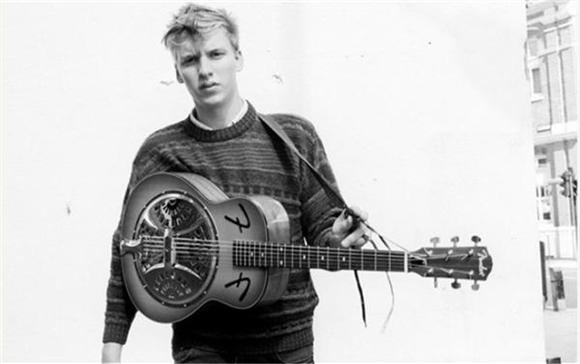 George Ezra Talks Fame, The Brit Awards, And Umbrellas